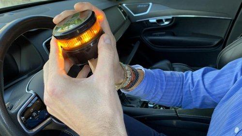 Esta es la luz de emergencia V16 con más batería del mercado: ¡4 horas de autonomía!