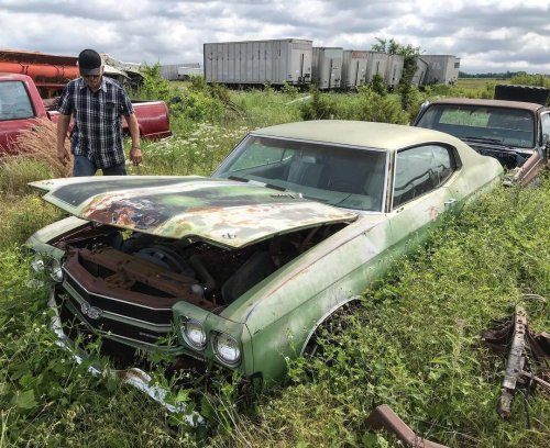 1970 Chevy Chevelle SS Rusting Away in a Field Hides 396 with Cowl Induction