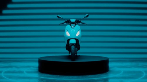 Piaggio 1 E-Scooter Finally Hits the Market, It Aims to Please the Youngsters