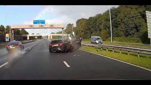 Vidéo : il percute de plein fouet une voiture en panne !