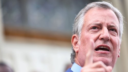 NYC firefighters union urges members to defy mayor's vaccine mandate