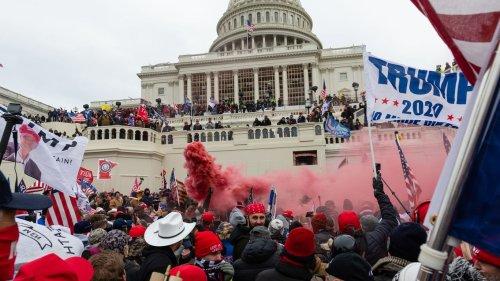 35 Republicans vote in favor of Jan. 6 commission