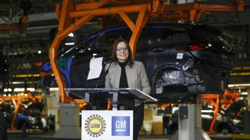 GM plans to end sales of gasoline powered cars by 2035