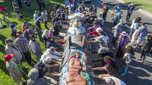 Native Americans to bring 5,000-pound totem pole across country for land awareness