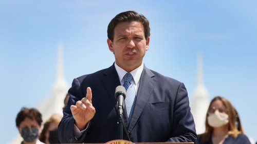 DeSantis signs law requiring college faculty, students to take surveys on beliefs