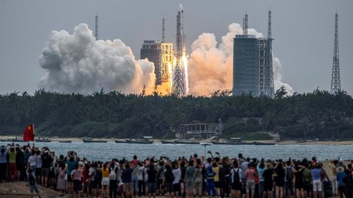 Pentagon tracking path of falling Chinese rocket