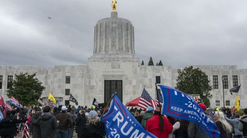 Oregon lawmaker expelled from office for helping rioters breach state Capitol