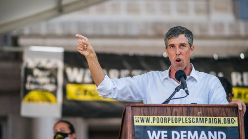 Scoop: Beto plans Texas comeback in governor's race