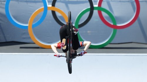 Brit Charlotte Worthington wins gold in new BMX freestyle category