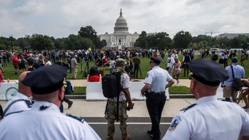 """Smaller than expected """"Justice for J6"""" rally met with large police presence"""