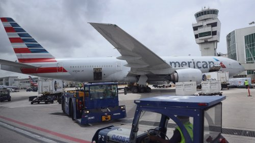 American Airlines cuts hundreds of flights amid demand surge