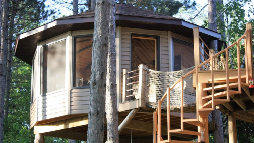 Retreat to this Minnesota treehouse for a weekend getaway