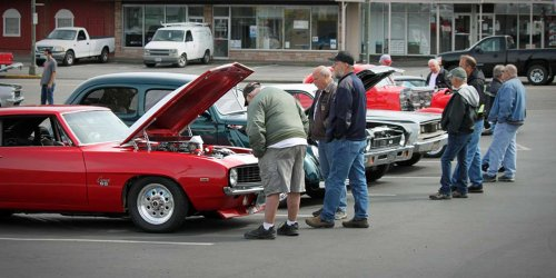 PHOTOS: Classy Chassis Cruise In brings classic cars to Burien Saturday