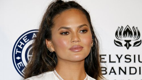 Study Finds Link Between Happiness, Not Knowing Who Chrissy Teigen Is