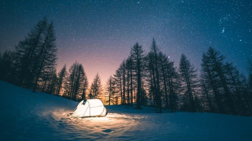 10 Underhanded Ways to Convince Your Friends To Go Winter Camping