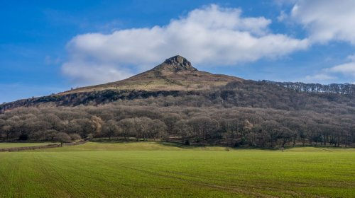 A Walk Up Roseberry Topping - A North Yorkshire Icon | BaldHiker
