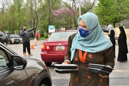 Ramadan drive-through iftar   PHOTOS