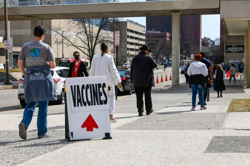 Maryland Gov. Hogan offers $100 to state employees who get COVID vaccine