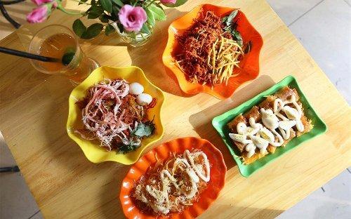 Bánh tráng trộn cô Toàn nổi tiếng Hà Nội – BÁNH TRÁNG