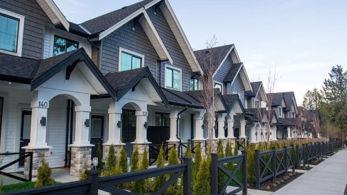 Does A No-Closing-Cost Mortgage Refinance Make Sense?