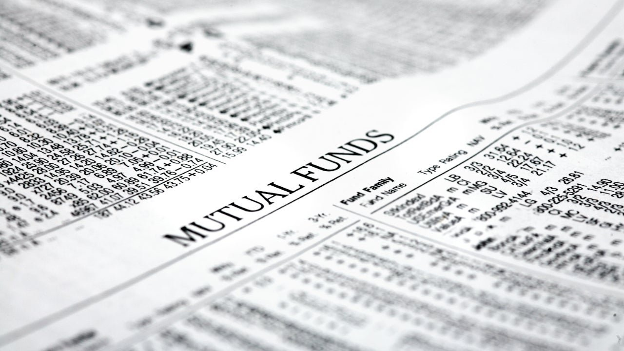 Mutual Fund vs. ETF: Here's How They Compare