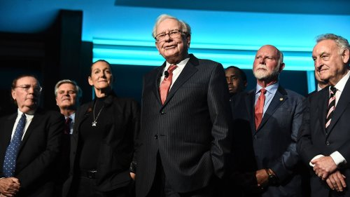 Warren Buffett Says To Avoid These Two Types Of Hot Investments