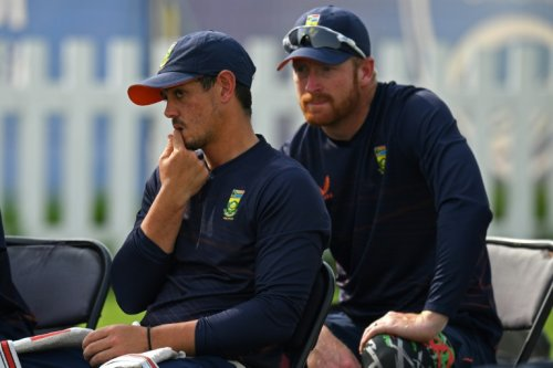 De Kock Withdraws From South Africa Team As Players Ordered To Take Knee