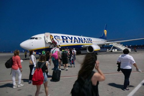 Ryanair Stock and 2 More European Airlines Can Soar as Postpandemic Travel Picks Up