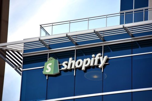 Shopify Shares Have Swooned Lately. Why One Analyst Just Turned Bullish.