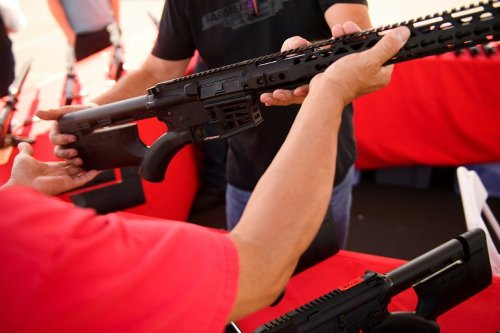 Texas OKs Public Gun-carrying Without Permit