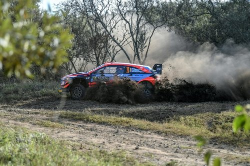 Neuville Clings To Lead As Safari Rally Takes Toll