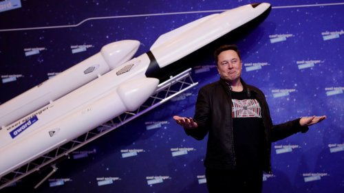In Surprise Appearance, Tesla CEO Elon Musk Speaks at Volkswagen Event