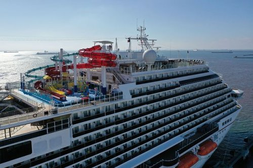 Cruise Line Stocks Are Riding a Wave. They Could Sink.