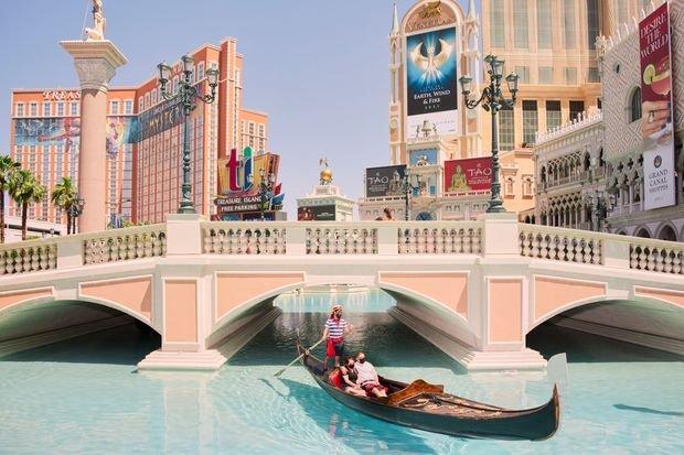 Las Vegas Presses Its Luck in the Postpandemic Era - cover