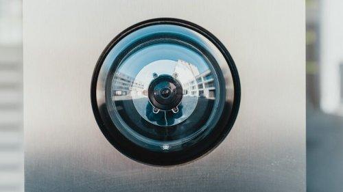 Canon installiert KI in Bürokameras und lässt nur lächelnde Angestellte rein