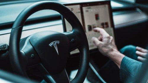 Autopilot von Tesla: Ist die Software für Tote und Verletzte verantwortlich?