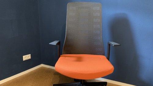 Interstuhl Pure Active im Test: So schneidet der smarte Bürostuhl ab