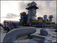 BBC NEWS | Europe | Russia shuts off gas to Ukraine
