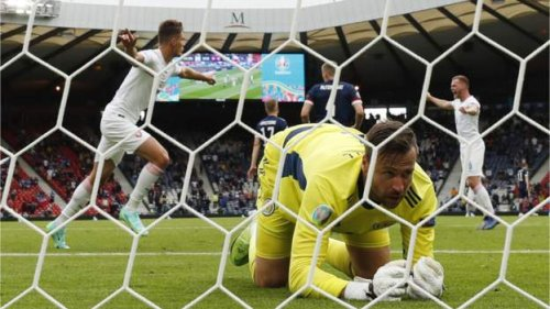 Schick double for Czechs downs Scots