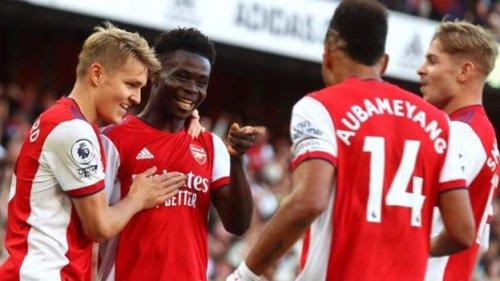 Arsenal beat rivals Tottenham with first-half blitz