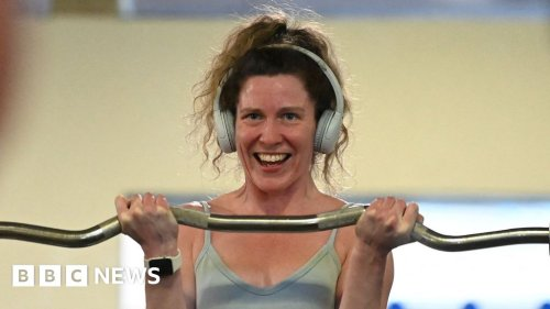 Coronavirus: England's shops, gyms and hairdressers reopen