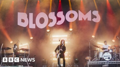 Covid: Blossoms to headline 'near-normal' gig trial