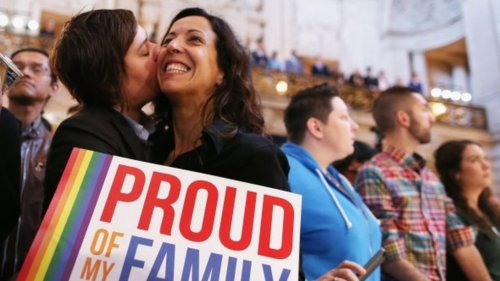 US Supreme Court in historic rulings on gay marriage