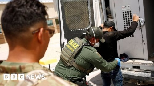 Record high migrant detentions at US-Mexico border