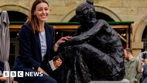 Anne Lister: 'Gentleman Jack' sculpture unveiled in Halifax