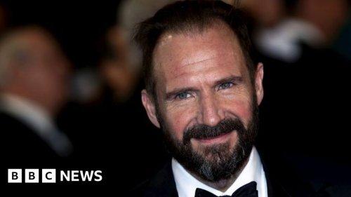 Ralph Fiennes 'can't understand vitriol' towards JK Rowling