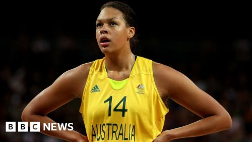 Liz Cambage: Australian criticises Olympic team photo shoot