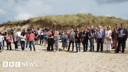 Jersey fishing row: French protest over access on power cable beach