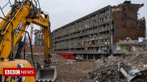 Climate change: Construction companies told to stop knocking down buildings