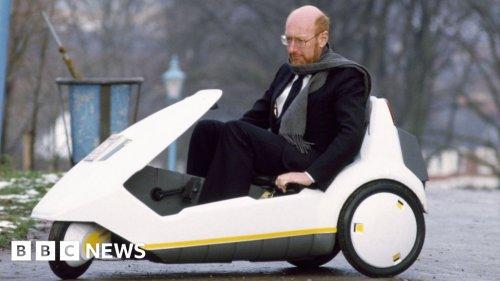 Sir Clive Sinclair: Computing pioneer dies aged 81